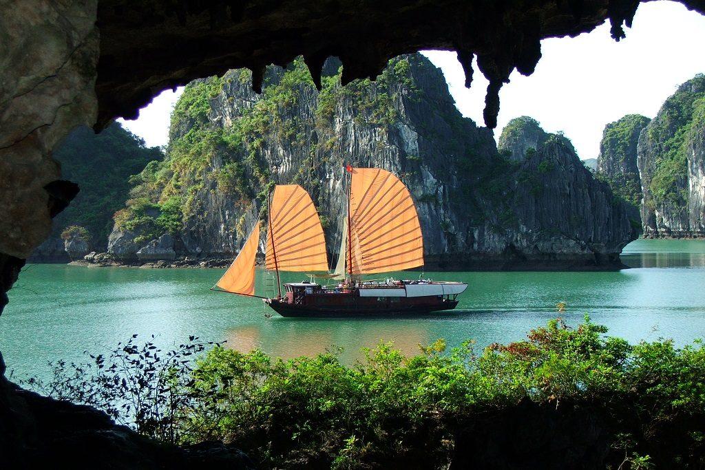 Hang Trinh Nu | Halong Bay | Asia Hero Travel | Vietnam