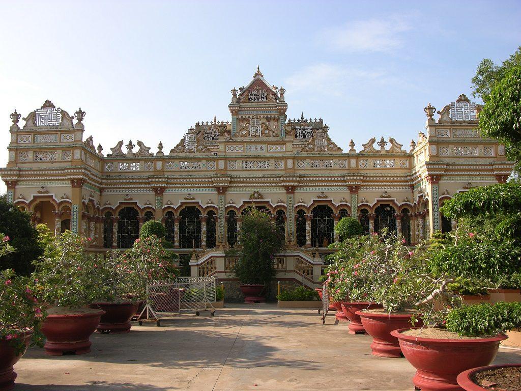Vinh Trang Pagoda | My Tho | Asia Hero Travel | Vietnam
